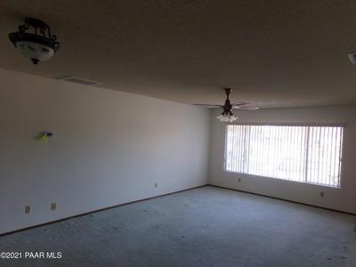 887 N COCHISE DR, Dewey-Humboldt, AZ 86327 - Photo 2