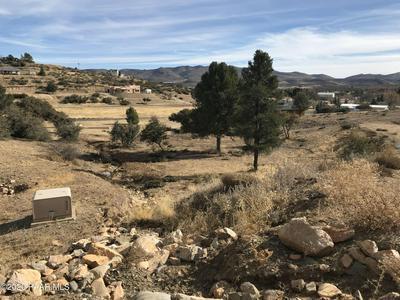18339 S SPOON RD, Peeples Valley, AZ 86332 - Photo 2