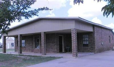 605 SW 3RD ST, SEMINOLE, TX 79360 - Photo 1