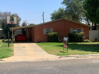 107 SW 10TH ST, Seminole, TX 79360 - Photo 1