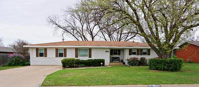 3004 DENISON AVE, Snyder, TX 79549 - Photo 1