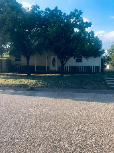 206 W 4TH ST, STANTON, TX 79782 - Photo 1