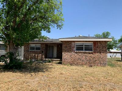 706 S KENNETH AVE, Monahans, TX 79756 - Photo 1