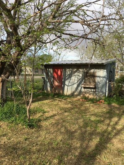302 N MESQUITE ST, TRENT, TX 79561 - Photo 2