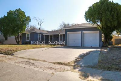 807 W 17TH ST, Big Spring, TX 79720 - Photo 2