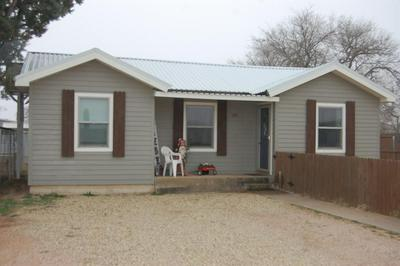 109 SW AVENUE J, SEMINOLE, TX 79360 - Photo 1