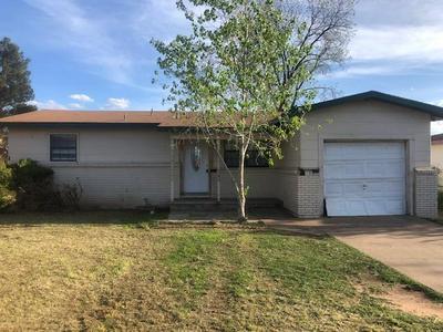 402 34TH ST, Snyder, TX 79549 - Photo 1
