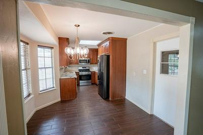 3207 W SHANDON AVE, Midland, TX 79705 - Photo 2