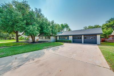 2509 STANOLIND AVE, Midland, TX 79705 - Photo 2