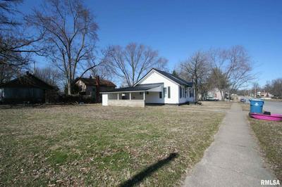 703 5TH ST, CARMI, IL 62821 - Photo 2