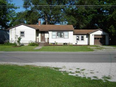 410 N WEST ST, CARLINVILLE, IL 62626 - Photo 1