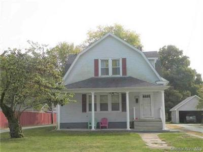 515 E 1ST NORTH ST, CARLINVILLE, IL 62626 - Photo 1
