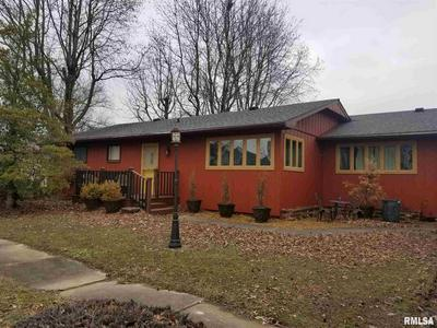 607 W CHERRY AVE, CHRISTOPHER, IL 62822 - Photo 1