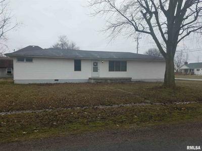 381 N THIRD ST, ASHLEY, IL 62808 - Photo 2