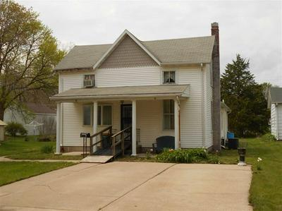 561 N SPERRY ST, BUSHNELL, IL 61422 - Photo 1