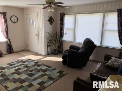 1453 BEECHER AVE, GALESBURG, IL 61401 - Photo 2