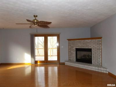2001 DANE KELSEY DR, PEKIN, IL 61554 - Photo 2
