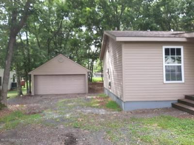 4722 PINE RIDGE DR W, Bushkill, PA 18324 - Photo 2