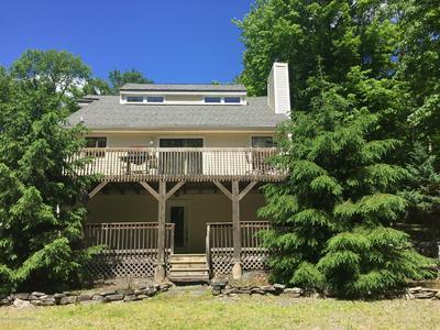 104 ORCHARD LN, Greentown, PA 18426 - Photo 2