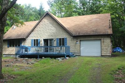 213 MOUNTAIN TOP CIR, Bushkill, PA 18324 - Photo 1