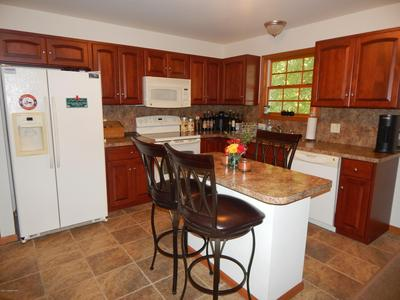 5229 WOODBRIDGE DR E, Bushkill, PA 18324 - Photo 2