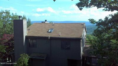 110 GREENWICH DR, Bushkill, PA 18324 - Photo 2