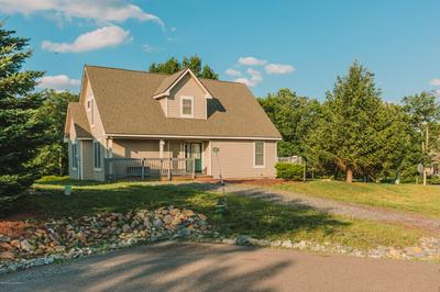 212 SYCAMORE CT, Tannersville, PA 18372 - Photo 2