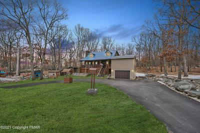 372 WHIPPOORWILL DR, Bushkill, PA 18324 - Photo 1