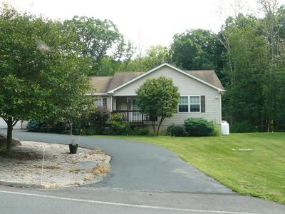 6104 SUNSET DR, Swiftwater, PA 18370 - Photo 1