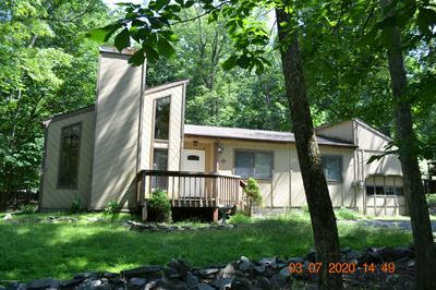 105 SUNDEW DR, East Stroudsburg, PA 18301 - Photo 1