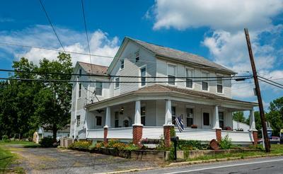 639 BLUE MOUNTAIN DR, Cherryville, PA 18035 - Photo 1