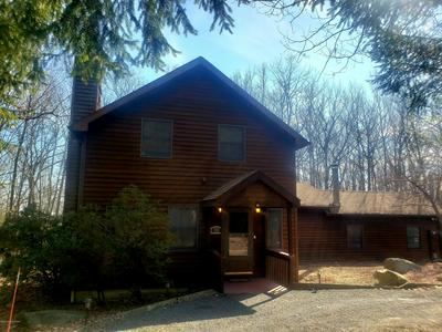 257 OAKENSHIELD DR, Tamiment, PA 18371 - Photo 2