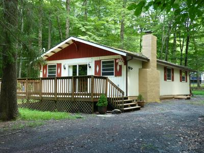 162 MOUNTAIN VIEW DR, Pocono Lake, PA 18347 - Photo 1