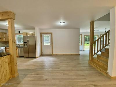 15 E FAWN GROVE DR, Albrightsville, PA 18210 - Photo 2