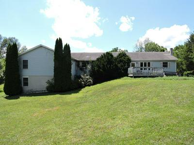 119 HILDABRANT LN, Saylorsburg, PA 18353 - Photo 2