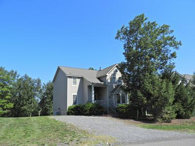 209 SYCAMORE CT, Tannersville, PA 18372 - Photo 1