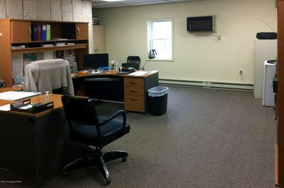 2885 ROUTE 611 STE 2, Tannersville, PA 18372 - Photo 2
