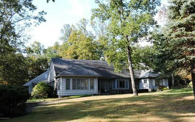 337 SUMMIT DR, Buck Hill Falls, PA 18326 - Photo 2