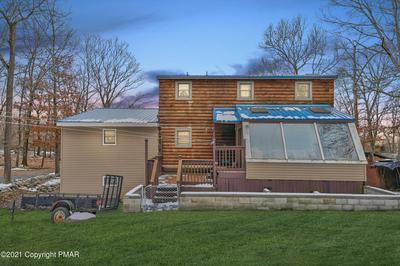 372 WHIPPOORWILL DR, Bushkill, PA 18324 - Photo 2