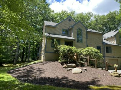 581 BUNTING RD, Buck Hill Falls, PA 18325 - Photo 1