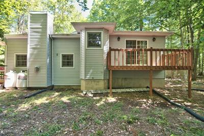 411 QUAKER CT, Pocono Lake, PA 18347 - Photo 2