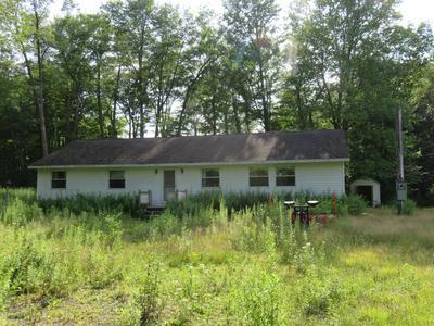 33 BENTLER RD, Clifton Township, PA 18424 - Photo 1