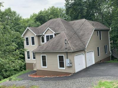 1145 YORKSHIRE LN, Bushkill, PA 18324 - Photo 2