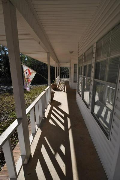 416 W LAMAR ST, Poplarville, MS 39470 - Photo 2