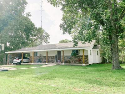 402 W WILLIE ST, Poplarville, MS 39470 - Photo 2