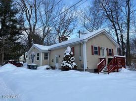 4 CENTER AVE, Honesdale, PA 18431 - Photo 1