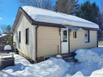 408 LAKEVIEW DR, Honesdale, PA 18431 - Photo 1