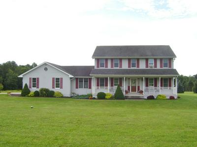 50 LAYTON RD, Waymart, PA 18472 - Photo 2