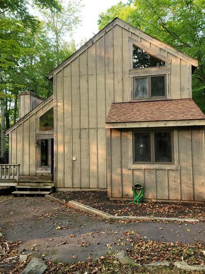 104 GRASSHOPPER LN, Greentown, PA 18426 - Photo 1