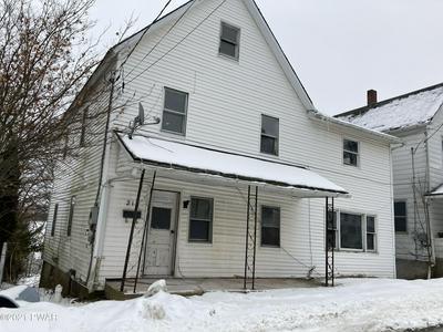 215 GREEN ST, Honesdale, PA 18431 - Photo 1